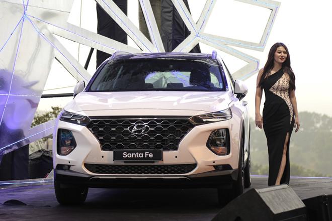 Hyundai Santa Fe 2019 ra mat tai VN, gia thap nhat 995 trieu dong hinh anh 2