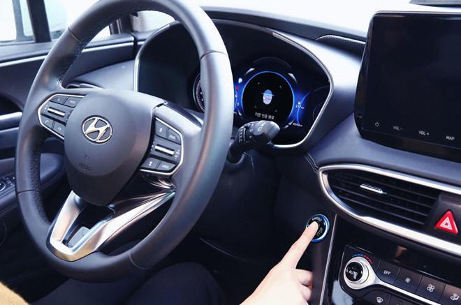 Hyundai SantaFe 2019 se co them tinh nang cam bien van tay hinh anh 2