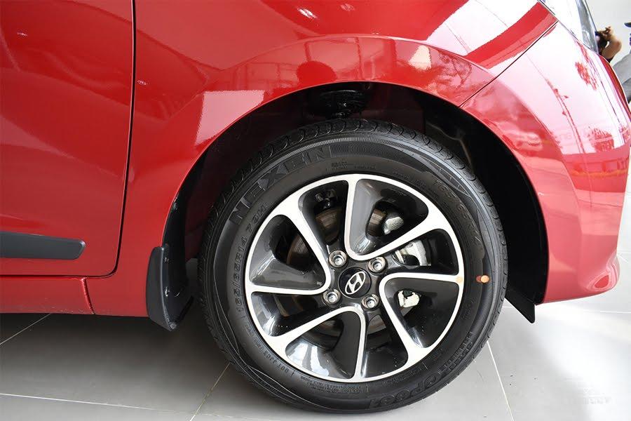 Hyundai Grand i10 Hatchback 1.2 AT - Hình 12